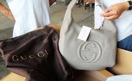 """""""Hạ màn"""" vụ """"hô biến"""" hàng hiệu Gucci, Milano thành hàng Trung Quốc ảnh 2"""