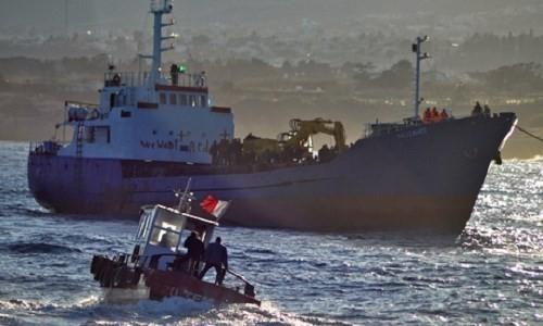 Lật tàu, 700 người chết thảm ngoài khơi Libya ảnh 1