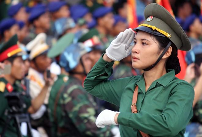 Hàng nghìn chiến sĩ hợp diễu binh dưới nắng gắt Sài Gòn ảnh 4