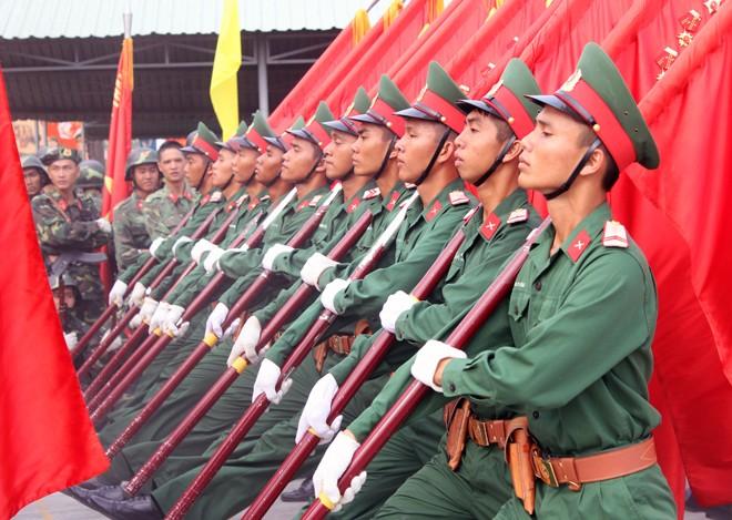 Hàng nghìn chiến sĩ hợp diễu binh dưới nắng gắt Sài Gòn ảnh 5