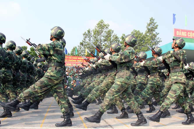 Hàng nghìn chiến sĩ hợp diễu binh dưới nắng gắt Sài Gòn ảnh 8