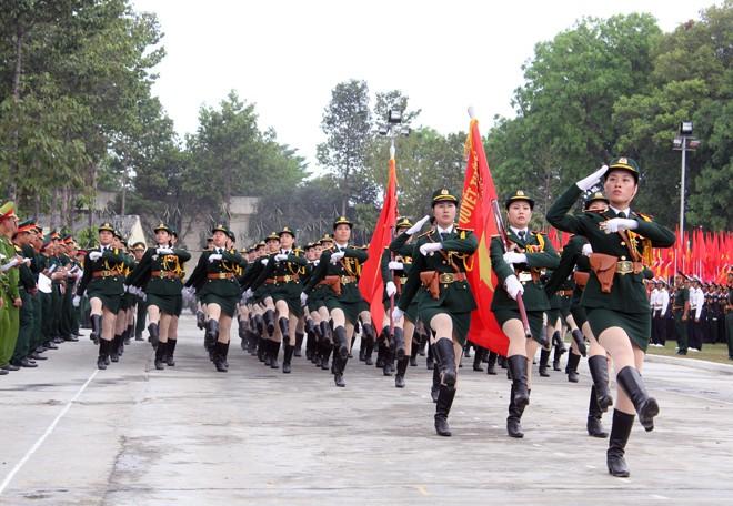 Hàng nghìn chiến sĩ hợp diễu binh dưới nắng gắt Sài Gòn ảnh 10