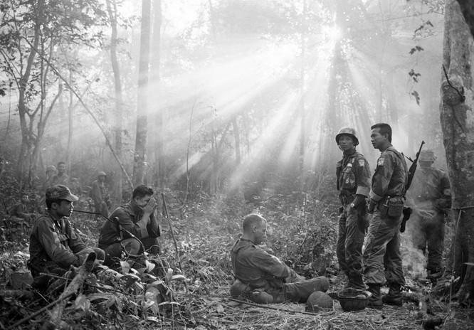 Những bức ảnh khốc liệt nhất về cuộc chiến của Mỹ tại Việt Nam ảnh 2