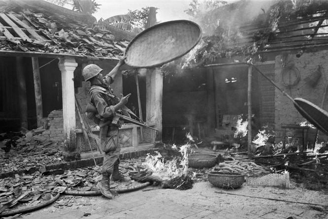 Những bức ảnh khốc liệt nhất về cuộc chiến của Mỹ tại Việt Nam ảnh 5