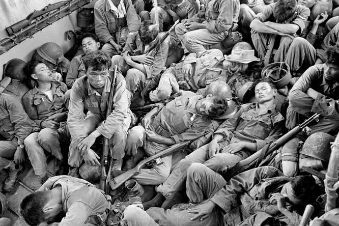Những bức ảnh khốc liệt nhất về cuộc chiến của Mỹ tại Việt Nam ảnh 16