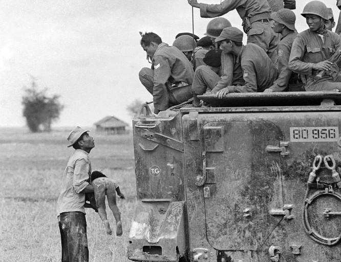 Những bức ảnh khốc liệt nhất về cuộc chiến của Mỹ tại Việt Nam ảnh 17