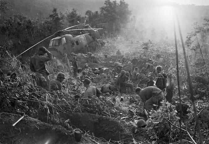 Những bức ảnh khốc liệt nhất về cuộc chiến của Mỹ tại Việt Nam ảnh 20