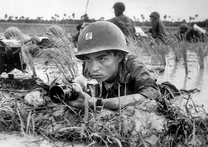 Những bức ảnh khốc liệt nhất về cuộc chiến của Mỹ tại Việt Nam ảnh 25