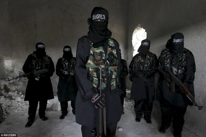 Những nữ chiến binh khiến cánh mày râu ngả mũ ảnh 1