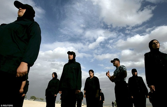 Những nữ chiến binh khiến cánh mày râu ngả mũ ảnh 14