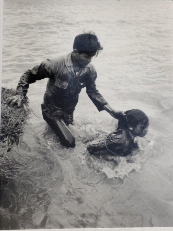 Bóng hồng Việt Nam - trên cả anh hùng - (phần 1) ảnh 2