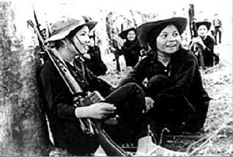 Bóng hồng Việt Nam - trên cả anh hùng - (phần 1) ảnh 11
