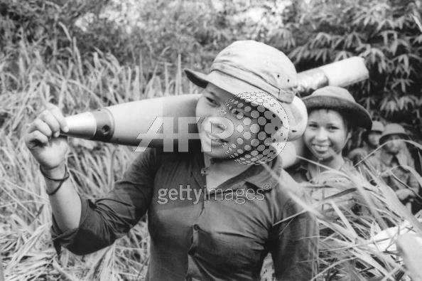 Bóng hồng Việt Nam - trên cả anh hùng - (phần 1) ảnh 12