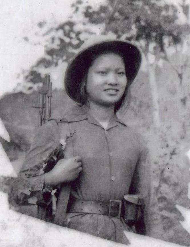 Bóng hồng Việt Nam - trên cả anh hùng - (phần 1) ảnh 13