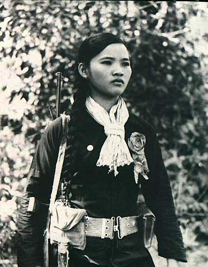 Bóng hồng Việt Nam - trên cả anh hùng - (phần 1) ảnh 19