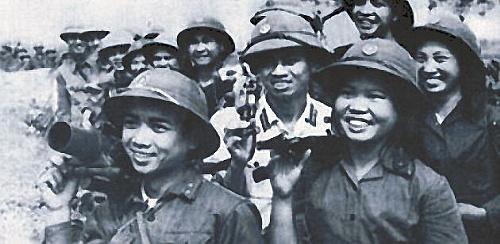 Bóng hồng Việt Nam - trên cả anh hùng - (phần 1) ảnh 27