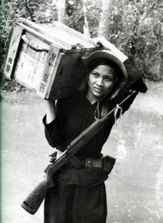 Bóng hồng Việt Nam - trên cả anh hùng - (phần 1) ảnh 28