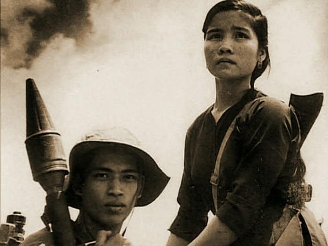 Bóng hồng Việt Nam - trên cả anh hùng - (phần 1) ảnh 30