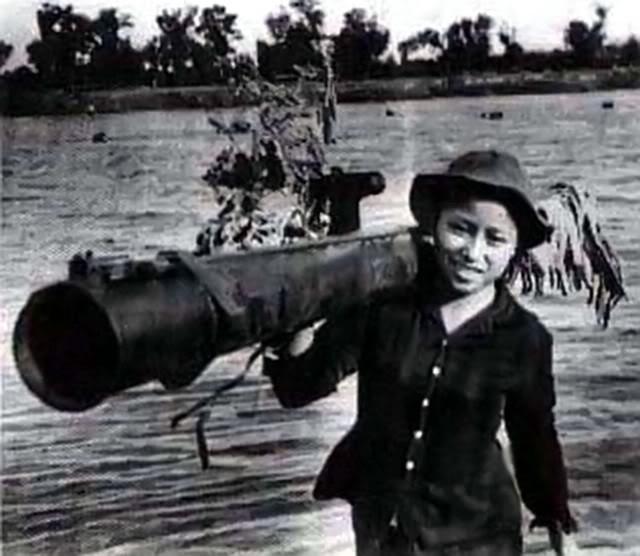 Bóng hồng Việt Nam - trên cả anh hùng - (phần 1) ảnh 33