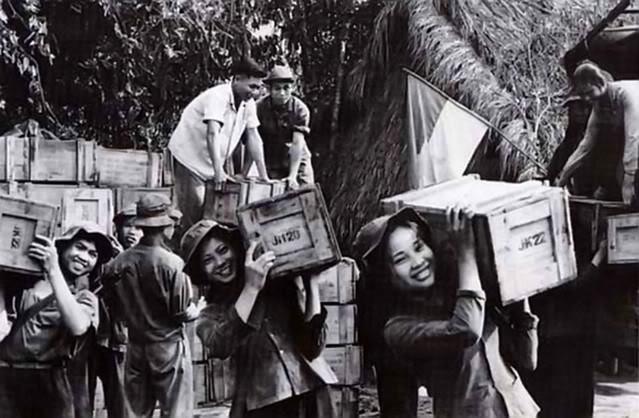 Bóng hồng Việt Nam - trên cả anh hùng - (phần 1) ảnh 37