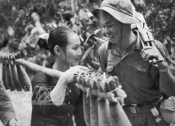 Bóng hồng Việt Nam - trên cả anh hùng - (phần 1) ảnh 40