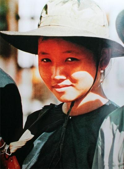 Bóng hồng Việt Nam - trên cả anh hùng - (phần 1) ảnh 42