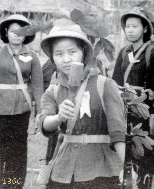 Bóng hồng Việt Nam - trên cả anh hùng - (phần 2) ảnh 2