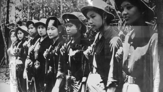 Bóng hồng Việt Nam - trên cả anh hùng - (phần 2) ảnh 5