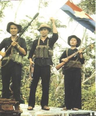 Bóng hồng Việt Nam - trên cả anh hùng - (phần 2) ảnh 10