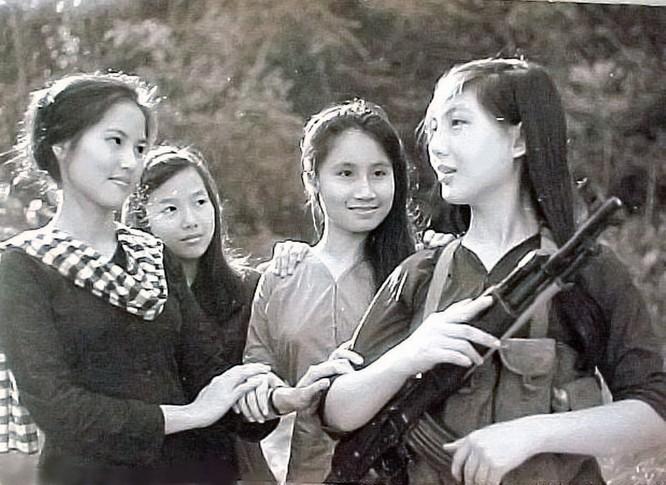Bóng hồng Việt Nam - trên cả anh hùng - (phần 2) ảnh 11