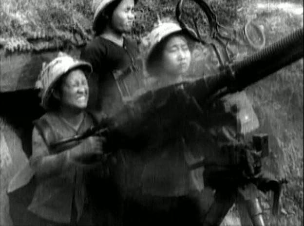 Bóng hồng Việt Nam - trên cả anh hùng - (phần 2) ảnh 15