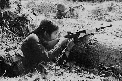 Bóng hồng Việt Nam - trên cả anh hùng - (phần 2) ảnh 16