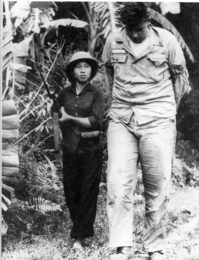 Bóng hồng Việt Nam - trên cả anh hùng - (phần 2) ảnh 27