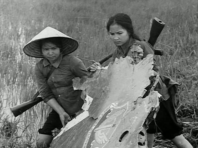Bóng hồng Việt Nam - trên cả anh hùng - (phần 2) ảnh 28