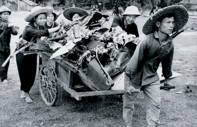 Bóng hồng Việt Nam - trên cả anh hùng - (phần 2) ảnh 31