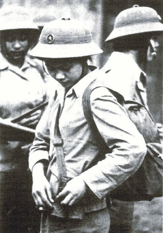 Bóng hồng Việt Nam - trên cả anh hùng - (phần 2) ảnh 32