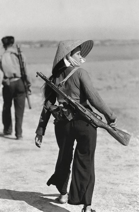 Bóng hồng Việt Nam - trên cả anh hùng - (phần 2) ảnh 34