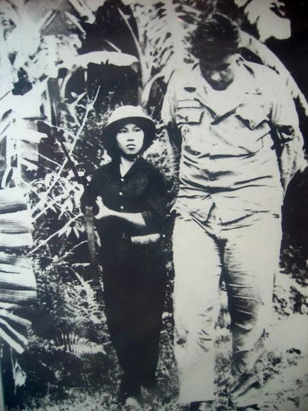 Bóng hồng Việt Nam - trên cả anh hùng - (phần 2) ảnh 35