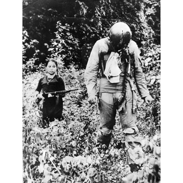Bóng hồng Việt Nam - trên cả anh hùng - (phần 2) ảnh 36