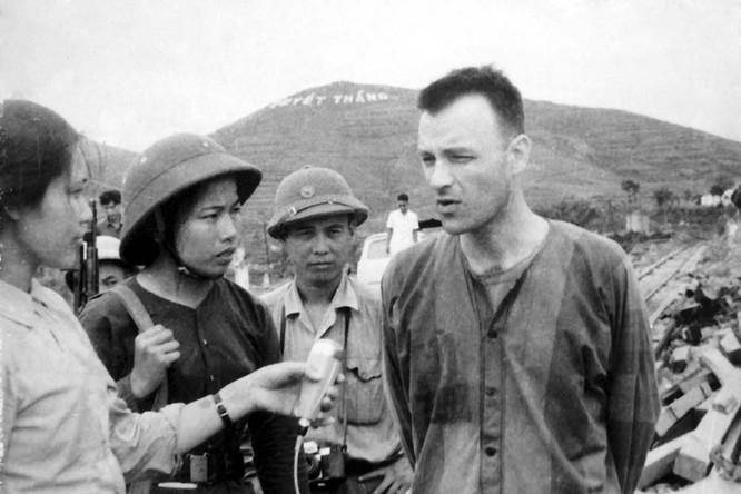 Bóng hồng Việt Nam - trên cả anh hùng - (phần 2) ảnh 37