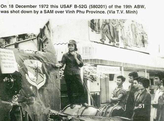 Bóng hồng Việt Nam - trên cả anh hùng - (phần 2) ảnh 39