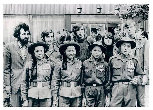 Bóng hồng Việt Nam - trên cả anh hùng - (phần 2) ảnh 40