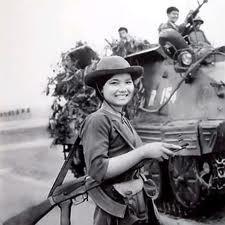 Bóng hồng Việt Nam - trên cả anh hùng - (phần 2) ảnh 44