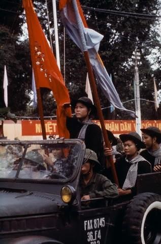 Bóng hồng Việt Nam - trên cả anh hùng - (phần 2) ảnh 45