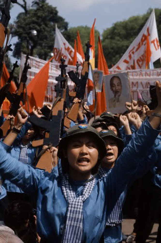 Bóng hồng Việt Nam - trên cả anh hùng - (phần 2) ảnh 46