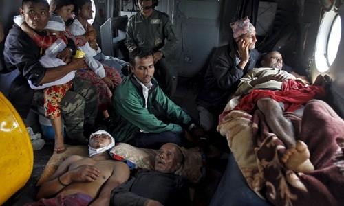 Thủ tướng Nepal: '10.000 người có thể thiệt mạng vì động đất' ảnh 1