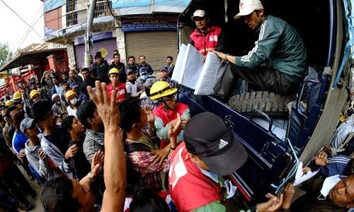 Thủ tướng Nepal: '10.000 người có thể thiệt mạng vì động đất' ảnh 2