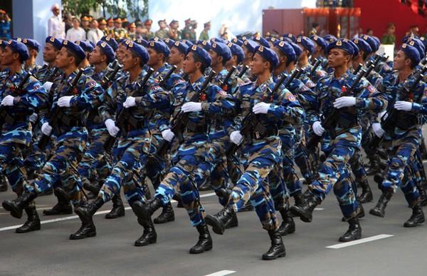 TP HCM diễu binh mừng ngày thống nhất ảnh 11