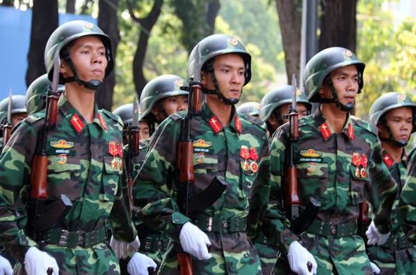 TP HCM diễu binh mừng ngày thống nhất ảnh 12