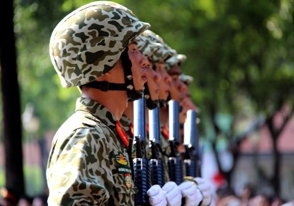 TP HCM diễu binh mừng ngày thống nhất ảnh 13